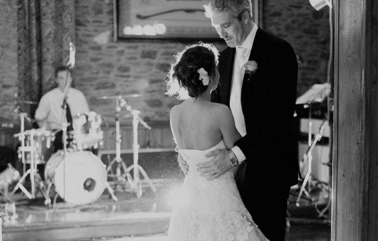 Top Tips Wedding Reception Band, Dj(1)